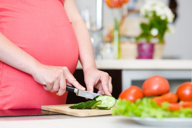 Receita para uma gravidez com ganho de peso saudável: atenção à alimentação